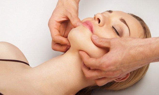 Щипковый массаж лица